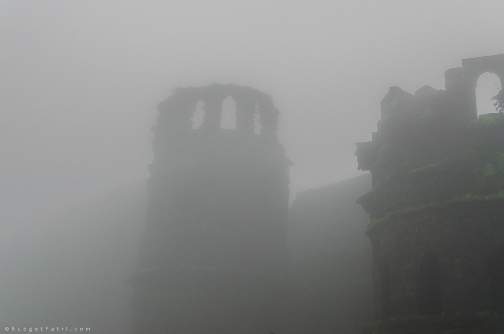 raigad-fort-in-monsoon