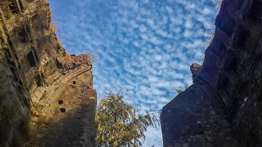 Vasai fort old church ruin