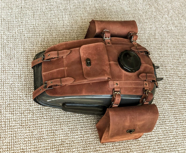 Leather motorcycle tank bag