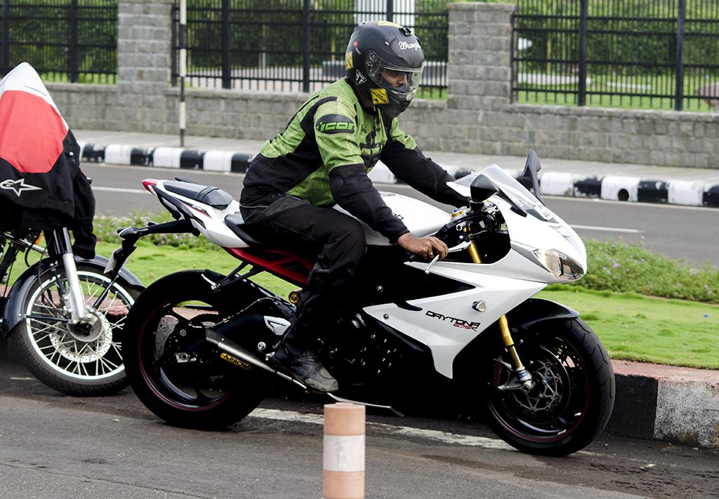 White Triumph Daytona, Daytona motorcycle Mumbai